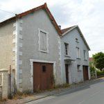 Saint-Astier (24) › Maison à rénover avec dépendances